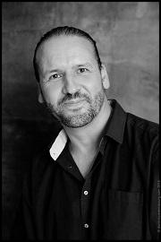 Nicolas Feuz, auteur en autoédition.