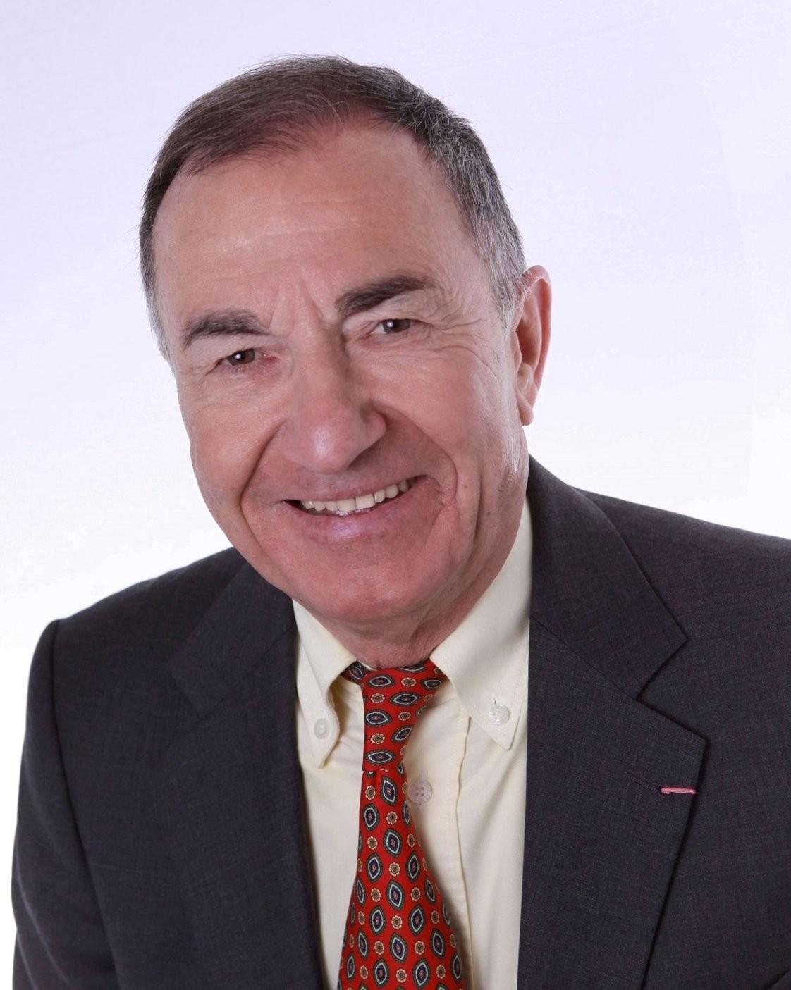 Louis Esparza